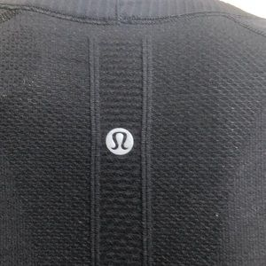 lululemon athletica Tops - Lululemon black & gray s/s run swiftly top sz 4